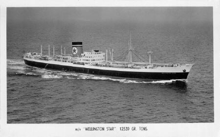 Wellington Star - Blue Star Line Postcard - Fraser Darrah Collection